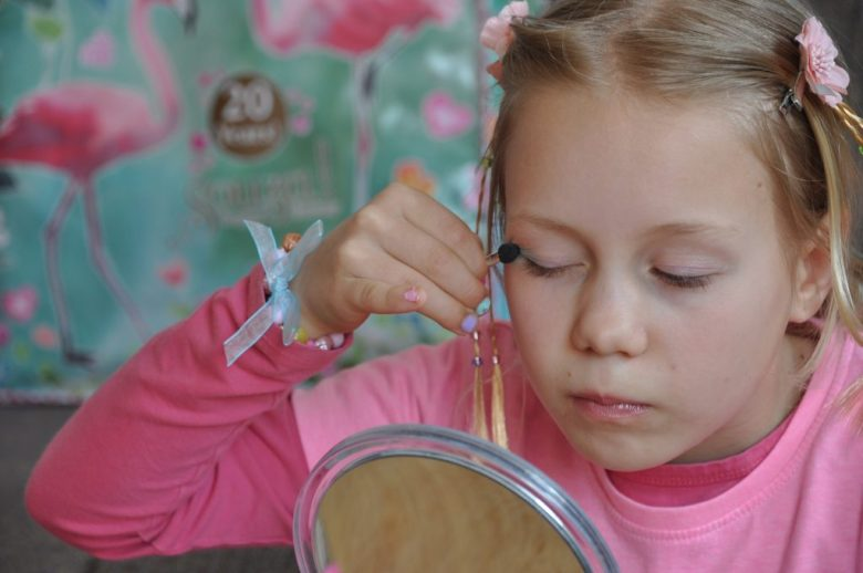 souza kinder makeup