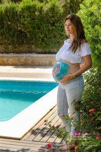 Marta Ahijado, fotógrafa de embarazo al aire libre en Murcia y Susana de Colorehadas, bellypainting en Murcia