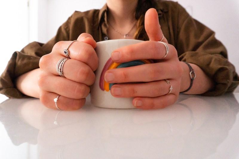 mascarilla casera para manos. manos perfectas. Marta Atram