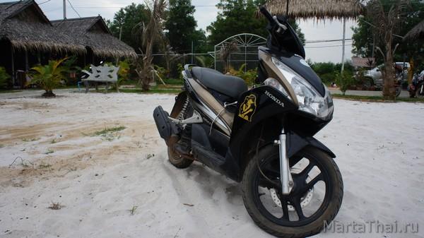 Цены в Камбодже, Сиануквиль: мотобайк
