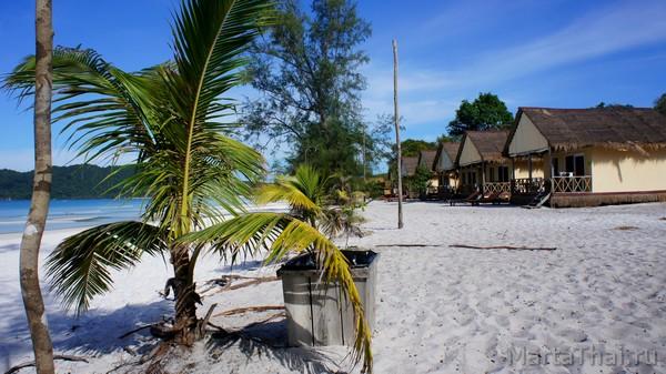 Остров Кох Ронг, Камбоджа, отели