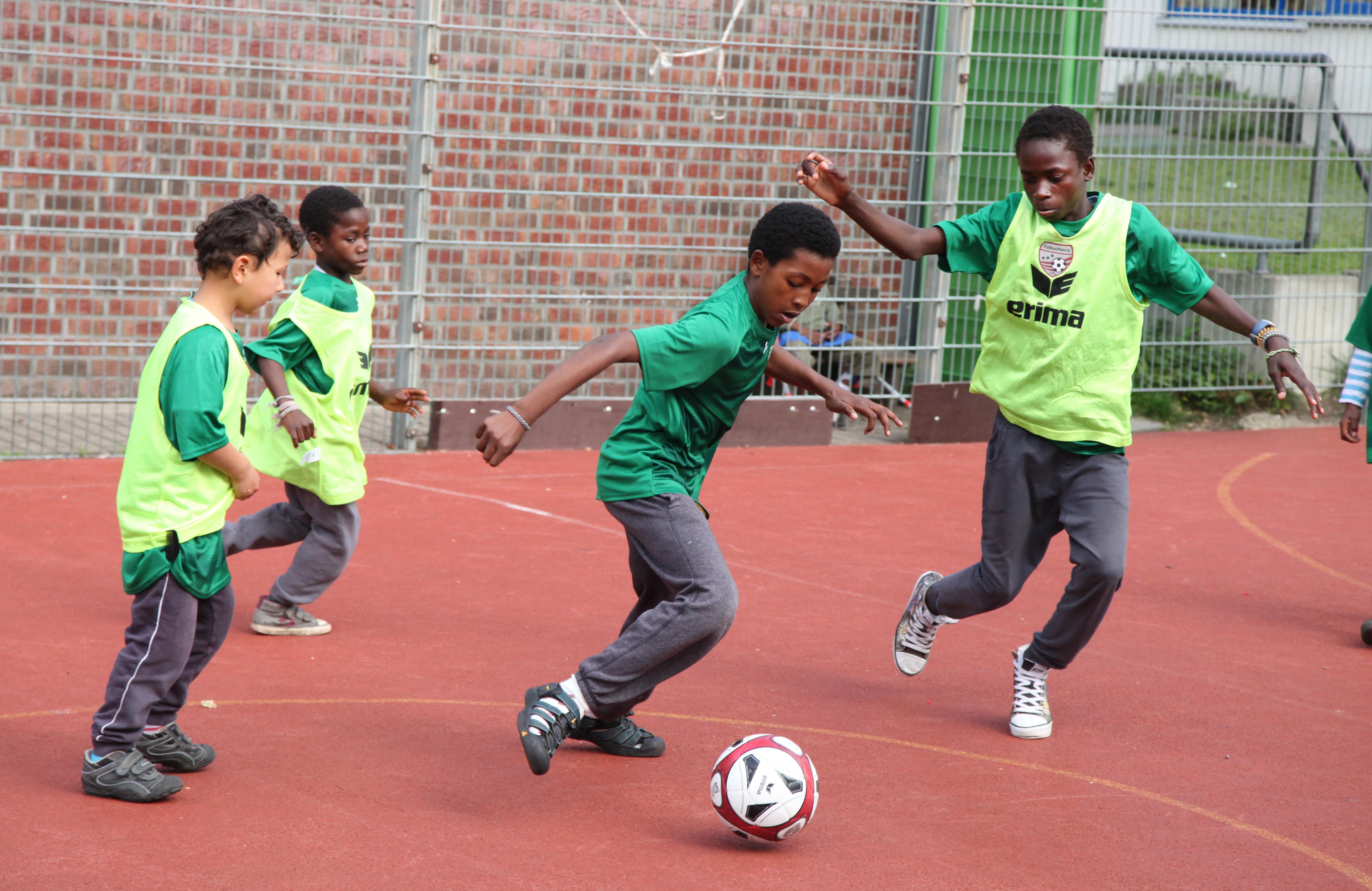 Kinder im Friedensdorf