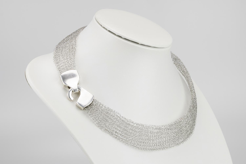 Handgearbeitete Halsketten und Schmuckstücke von Martina Groß