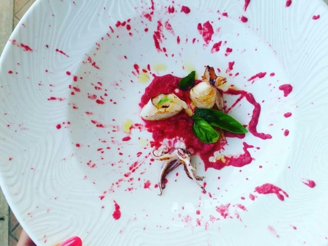 calamaro su crema di rape rosse e yogurt