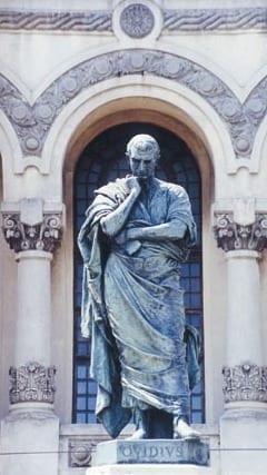 Estatua de Ovidio