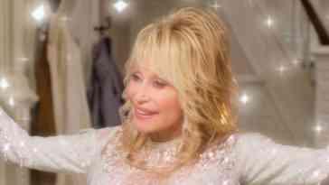 Dolly Parton: Navidad en la Plaza (2020)