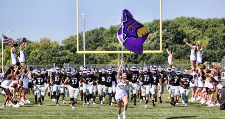 Avila kicks off football season with new coach, new conference