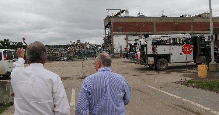 Senator Blunt visits Bannister Federal Complex