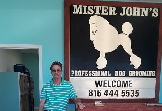 Mr. John's Pet Grooming moves to 99th & Holmes