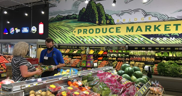 Sun Fresh doubles up bucks for those on food stamps