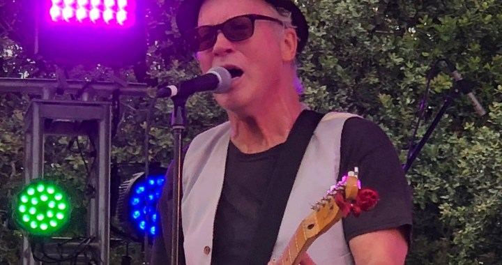 """Tommy Tutone known for """"867-5309"""" performs in free Martin City concert"""