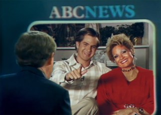 """Andrew Garfield and Jessica Chastain in """"The Eyes of Tammy Faye."""" Credit Searchlight Pictures"""