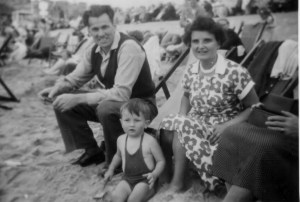 Martin Cooney with father Jim and mother Ruth, family holiday on beach in England
