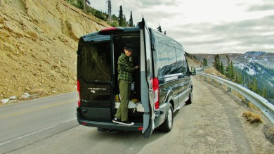 Kris Cooney descends The Detour Bus on Independence Independence Pass, Road Trip 1, Late October 2019
