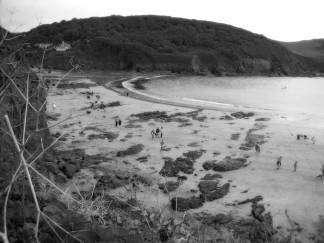 hope cove black and white