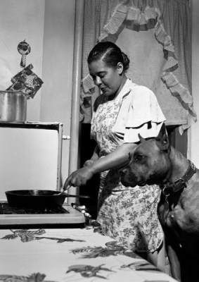 Bille Holiday with her dog