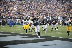 Oakland Raiders vs Pittsburgh Steelers TE #86 Lee Smith Catches touch down Pass Photos by Tod Fierner ( Martinez News-Gazette )