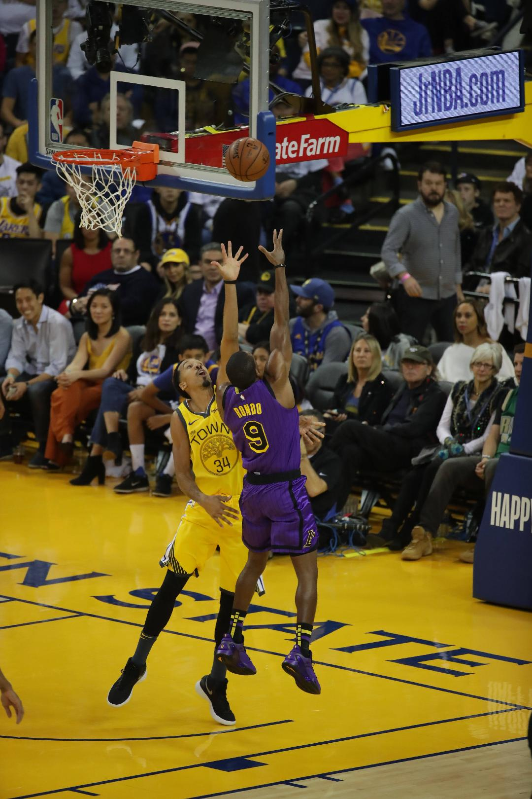 Bad Christmas day for Warriors, lose 127-101 to Lakers ...