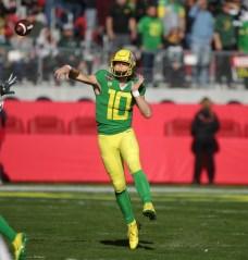 Michigan State Spartans vs Oregon Ducks #10 Jr. QB Justin Herbert Redbox Bowl