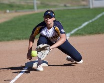 Alhambra Bulldogs Softball vs Antioch Photos by Mark Fierner Martinez News-Gazette