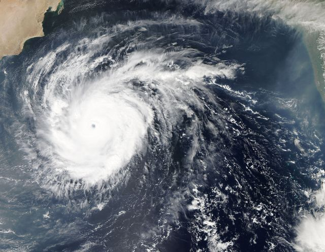 Tropiska Cyklonen Chapala. Credit: NASA.