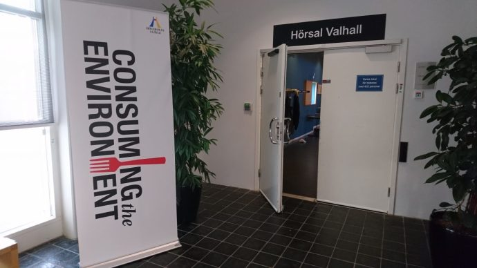 Modererar konferensen Consuming the Environment i Gävle