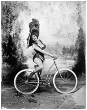marilyn-monroe-imitating-lillian-russell1962-photo-richard-avedon