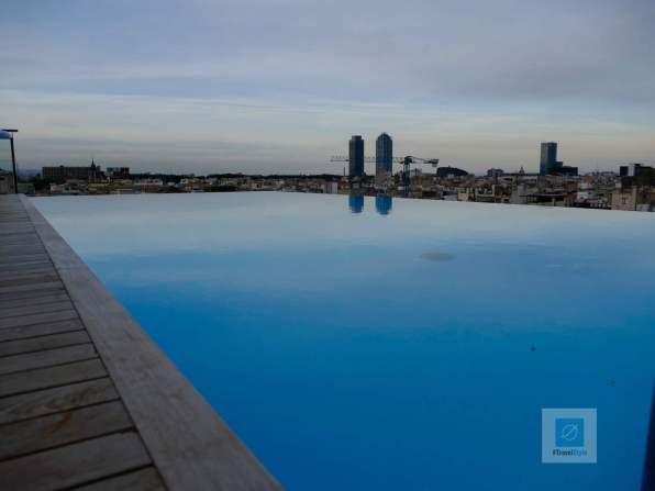 Der Blick vom Hotel Infinity Pool