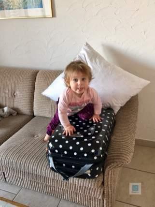 Laryna hilft tatkräftig beim packen