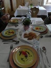 Die Suppe zur Vorspeise