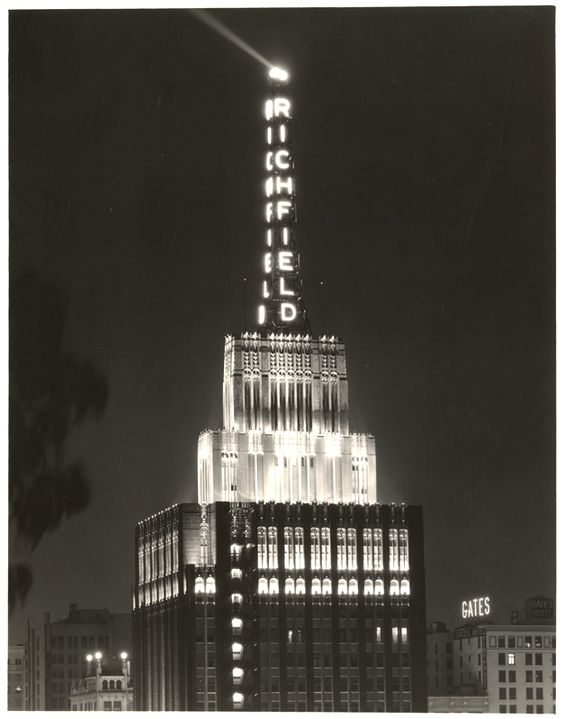 Richfield Tower and beacon at night, Flower Street in downtown Los Angeles, 1929