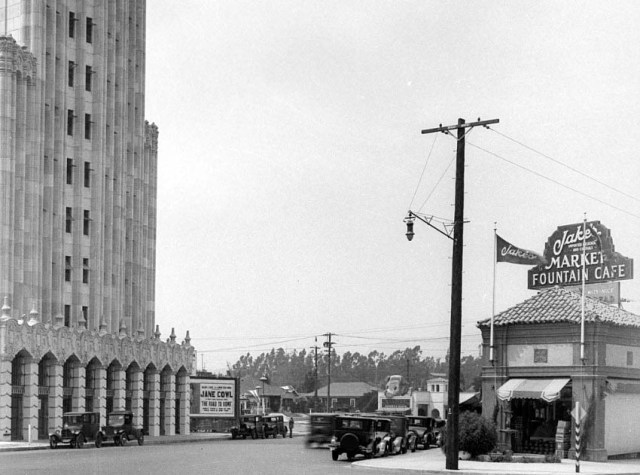 American Storage Building at the intersection of Beverly Boulevard and N Virgil Ave, Los Angeles, 1928.