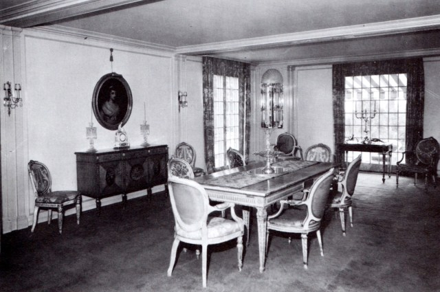 Pickfair dining room remodeled in 1925