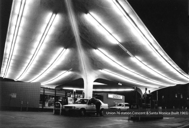 Union 76 gas station at Crescent Dr and Santa Monica Blvd, Beverly Hills