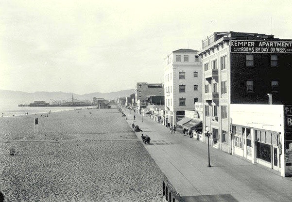 Looking north along the Ocean Front Walk on Venice Beach, November 17, 1929