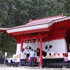 田沢湖-御座石神社