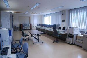 山王海ダム操作室全体