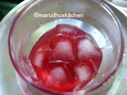 ADD ICECUBES AND SYRUP