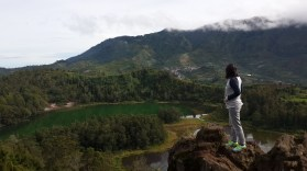 Pandang Ratapan Angin Hills