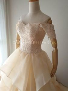 ウェディングドレスの卸販売は大阪のドレスマルマロン