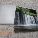CDサイズのフォトブックケースもついてきます。白糸の滝の写真