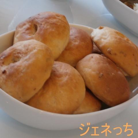 30分でいろいろ作れるパンミックスで作ったパンです