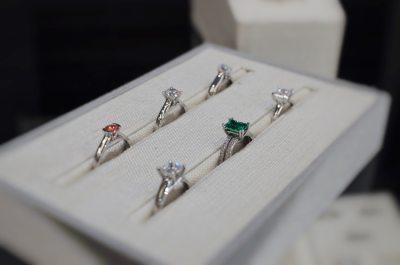 diamond-and-gemstone-engagement-rings-thunder-bay