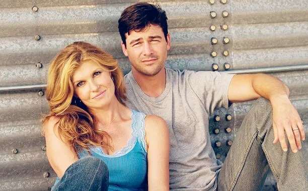 Connie Britton and Kyle Chandler as Eric and Tami Taylor in Friday Night Lights promotional still