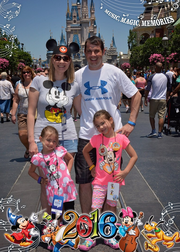 PhotoPass_Visiting_Magic_Kingdom_Park_BLOG