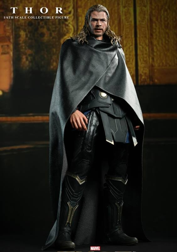 Thor The Dark World Hot Toys Figure Wearing Black Poncho