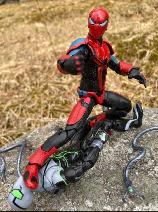 Hasbro Spider Armor Mark 3 Figure Review 2020 Marvel Legends