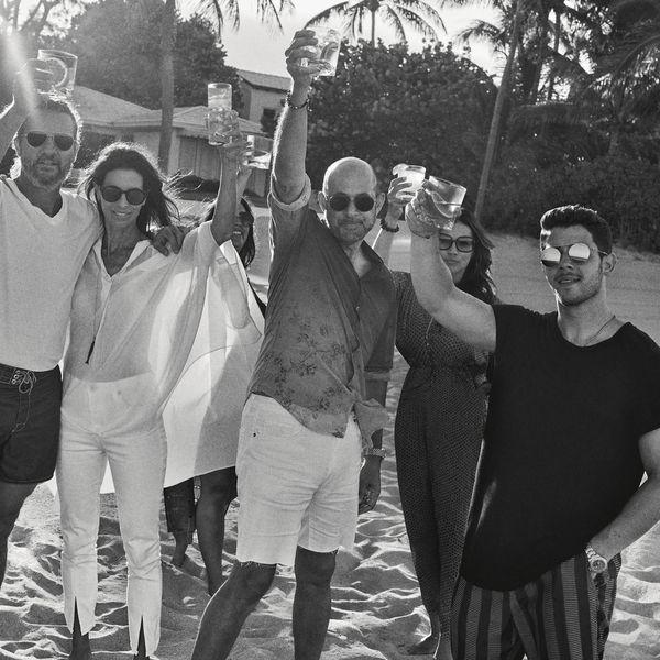 Nick Jonas acaba de convertirse en empresario lanzando su propia marca de tequila junto al diseñador John Varvatos