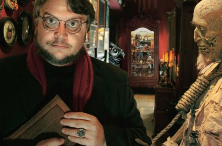 Nightmare Alley Guillermo del Toro película sobrenatural adaptación play mira
