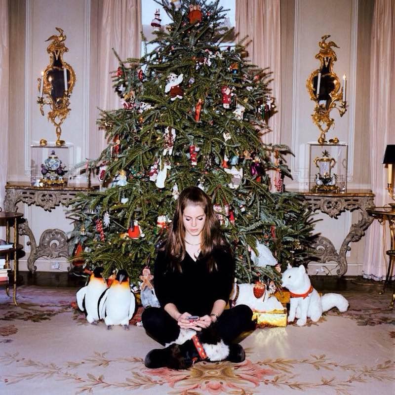 lana-del-rey-new-song-carol-navideno-christmas